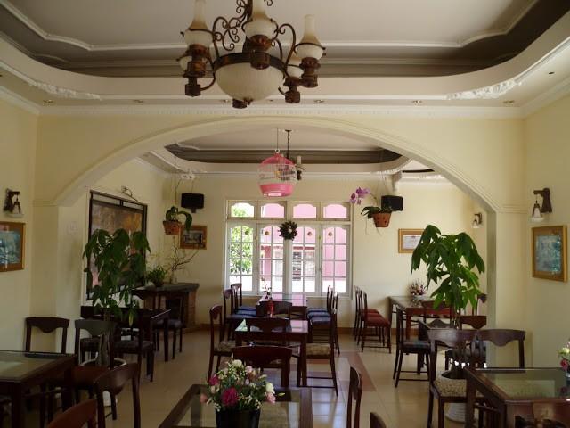 Chanson Vy Café-3