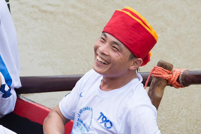 Impressive-boat-racing-in-keo-pogoda-10