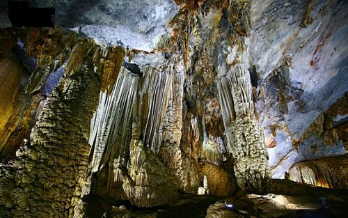 Splendid scenery of Thien Duong Cave-1