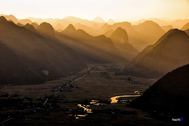 Sunrise on Bac Son valley-1