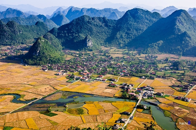 Sunrise on Bac Son valley-8