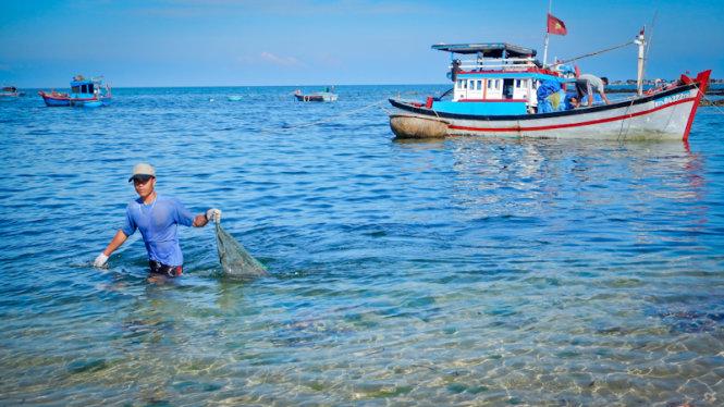 Esplorare splendida Phu Quy isola-13