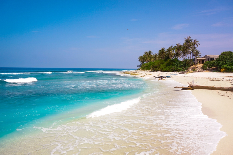 White and smooth sandy beaches on An Binh islet commune of Ly Son island district. A boat trip from Ly Son to An Binh takes about 30 minutes.