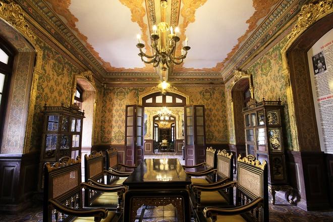 All'interno del Palazzo di An Dinh Bao Dai Re-06