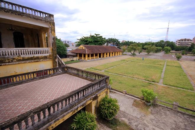 All'interno del Palazzo di An Dinh Bao Dai re-12