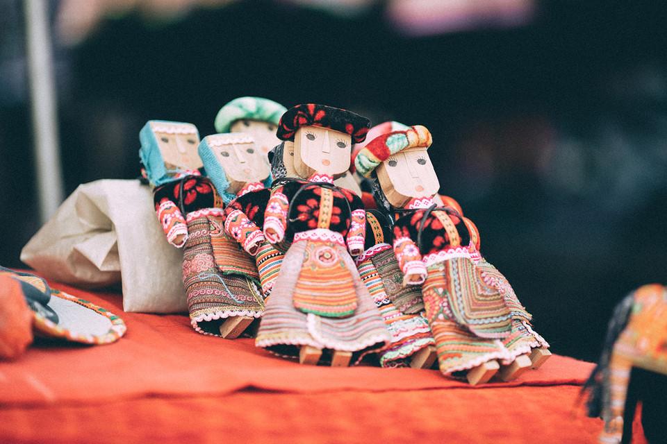 люблю кукол в традиционных костюмах этнических групп